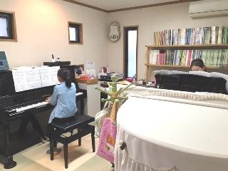 2台ピアノAM.jpeg